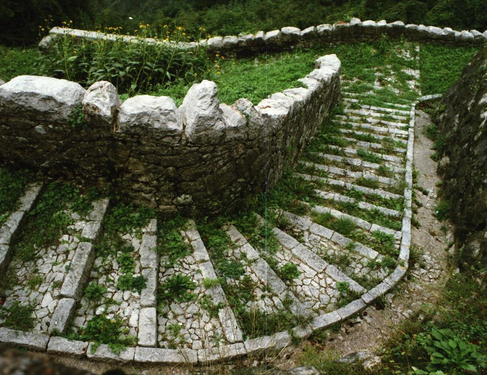 Tornante che porta alla fontana di Triviât