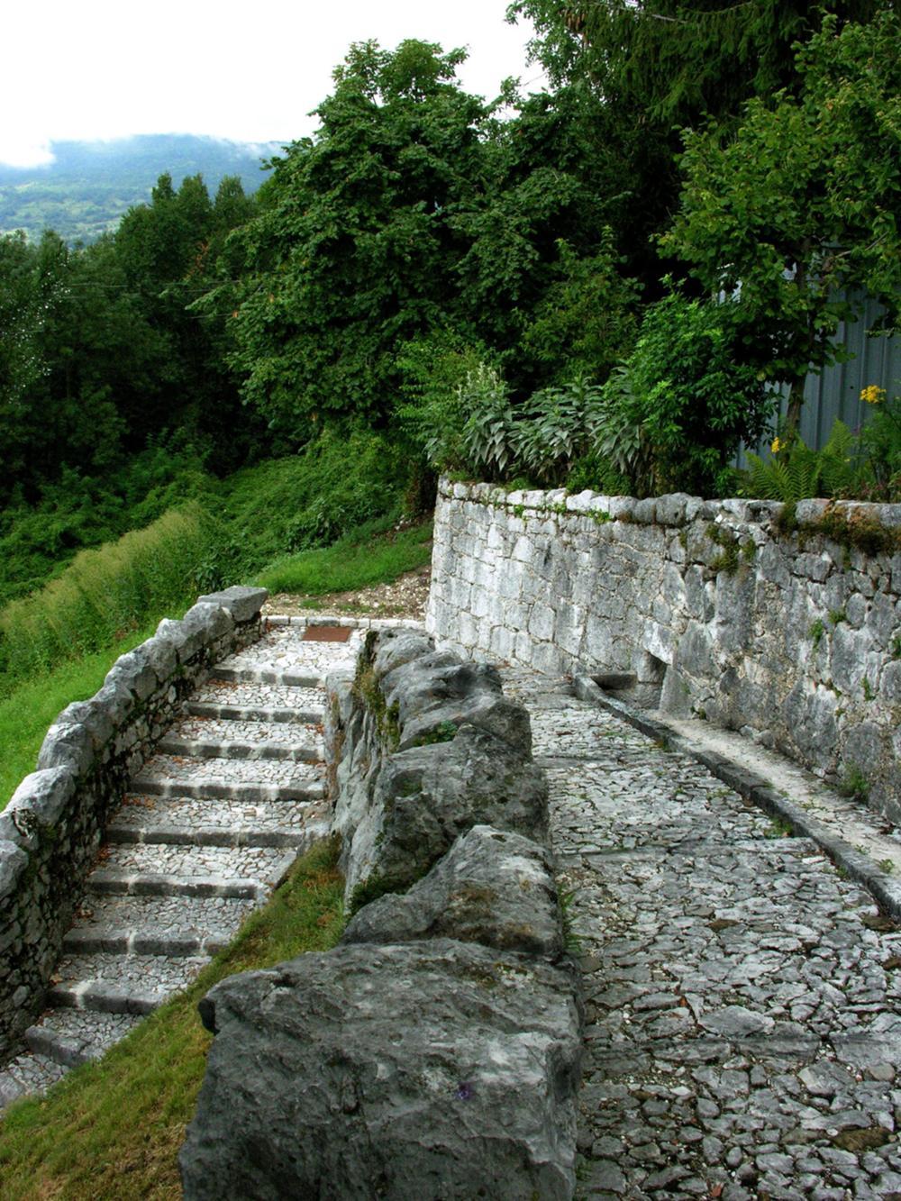 Fontana di Triviât