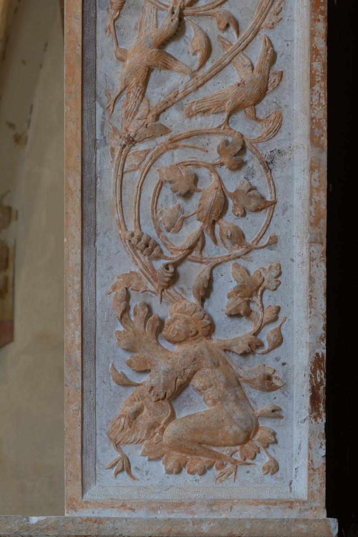 Pilastro, dettaglio