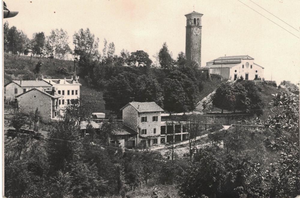 Panorama della chiesa, anni '50