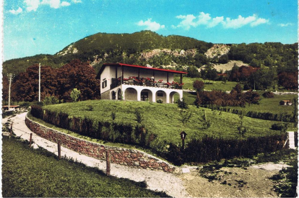 Villa con il monte Pala, anni '70